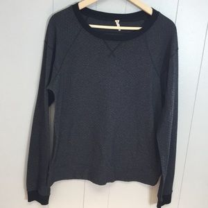 Lucy Size Large Gray Pullover Sweater